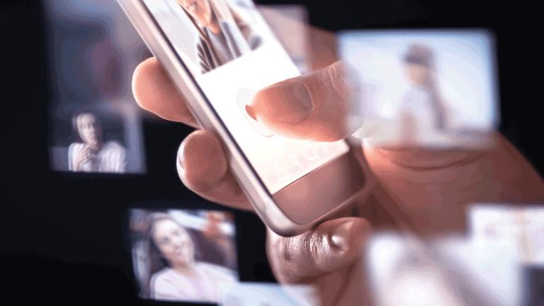 ネットストーカーがモザイクアプローチで個人情報を集めるイメージ